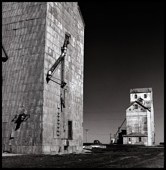 Close and Far Elevators, Fernald, Iowa